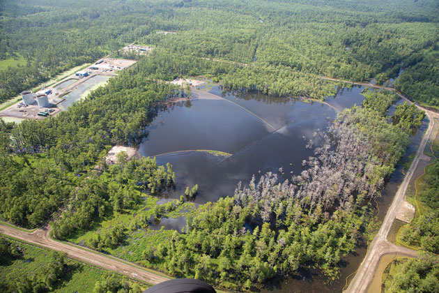 Aerial view of the sinkhole in 2013. (Credit:Jeffrey Dubinsky for Leanweb.org/LMRK.org)